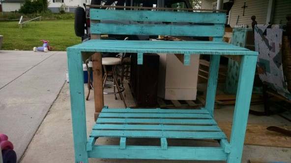 shocking wood potting bench garden outdoor work bench table planting bench #pottingbenchideas #benchdesign #pottingbench #benchideas