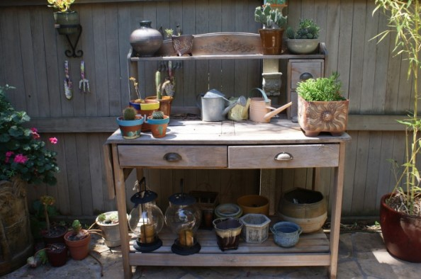 wondrous wood pallet potting bench #pottingbenchideas #benchdesign #pottingbench #benchideas