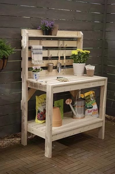 Amazing 2x4 potting bench #pottingbenchideas #benchdesign #pottingbench #benchideas