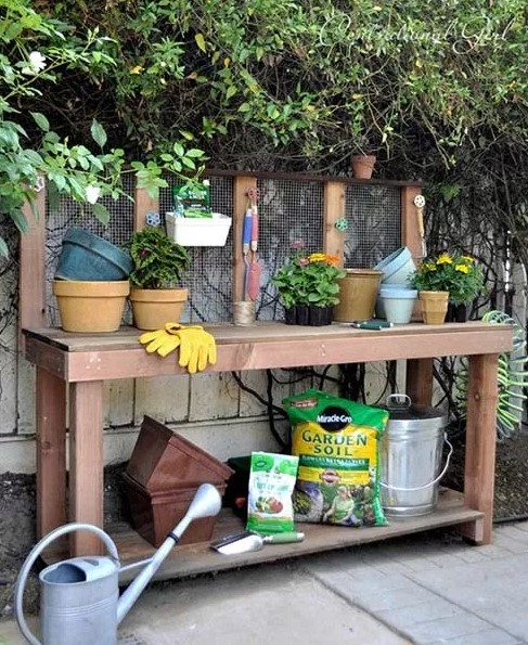 Gergous zinc potting bench #pottingbenchideas #benchdesign #pottingbench #benchideas