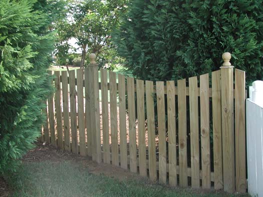 Privacy Fence Ideas for Residential Homes #profacyfence #fenceideas
