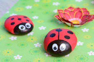 55 Ladybug Painted Rocks Ideas | How to Make It