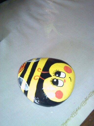 25 Best Painted Rock Bumble Bee Ideas